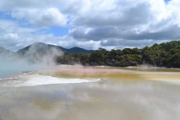 The rainbow pool at Wai-o-Tapu